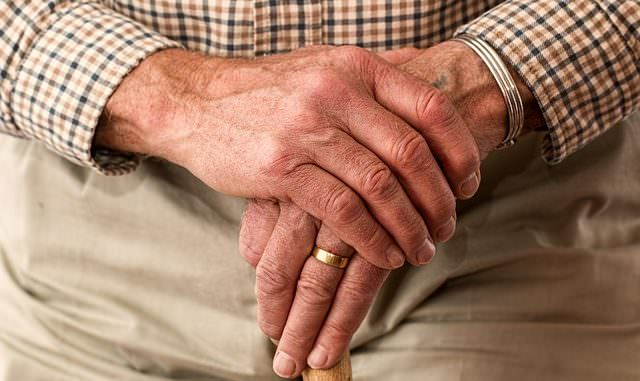 Fingernägel kauen