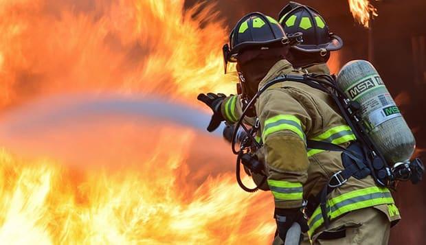 Feuerwehrmann-Feuer