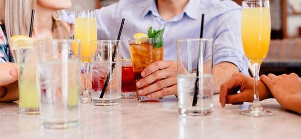 Frau-Mann-cocktails
