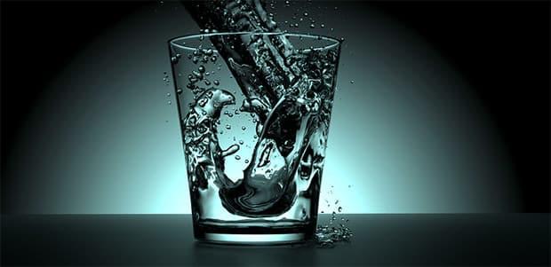 Sommergrippe-Wasser-trinken