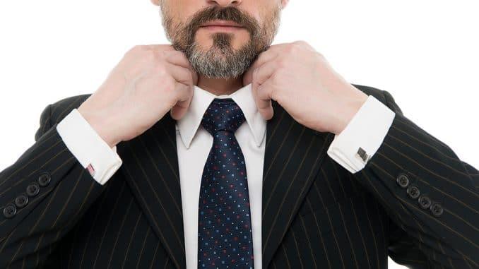 Business Casual mit… Krawattennadel