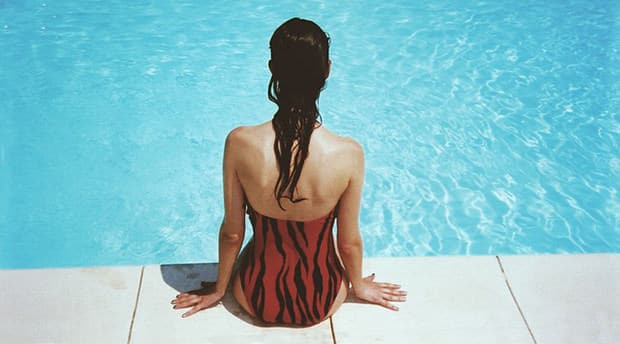 Pool-Frau