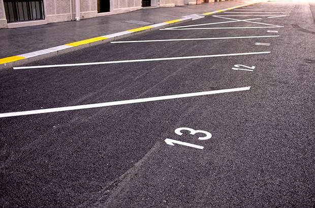 Möglichkeiten-der-Parkplatzmarkierung