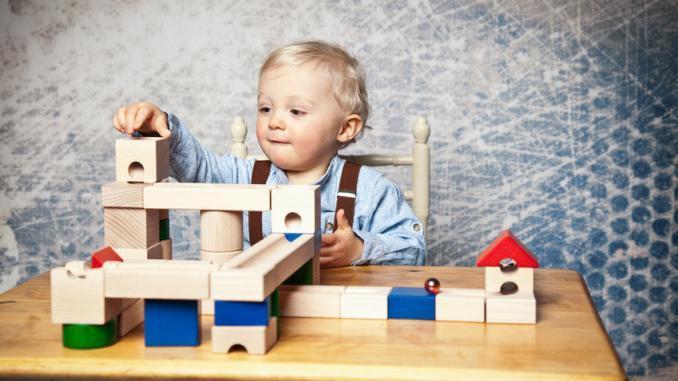 die vielf ltigen vorteile von holzspielzeug f r kinder. Black Bedroom Furniture Sets. Home Design Ideas