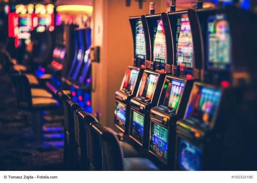 Casino Gambling Glossary A to F  il dado