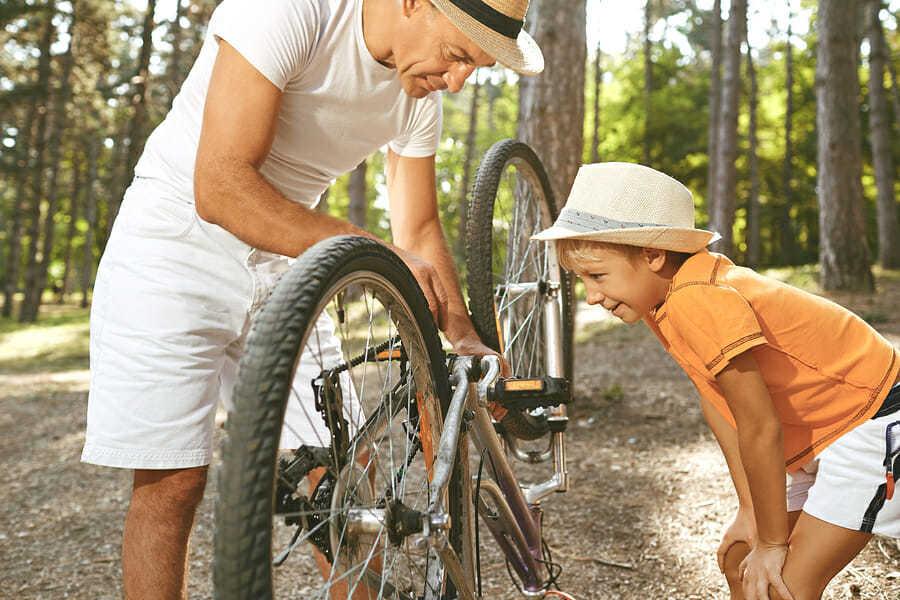 Hobby für Vater und Sohn - Fahrradfahren