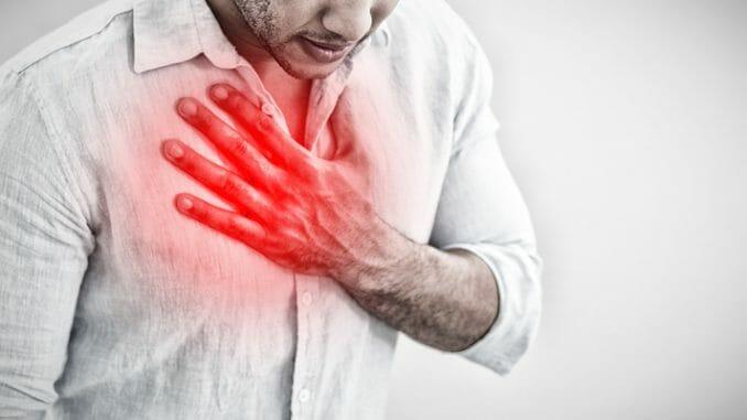 Brustschmerzen durch falsche Körperhaltung