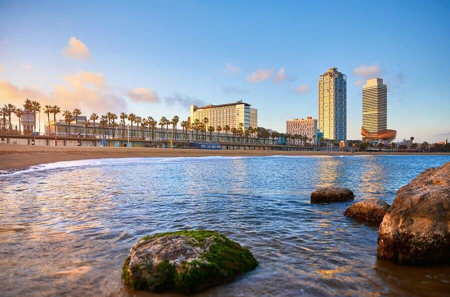 Barcelona Städtereise zum Strand