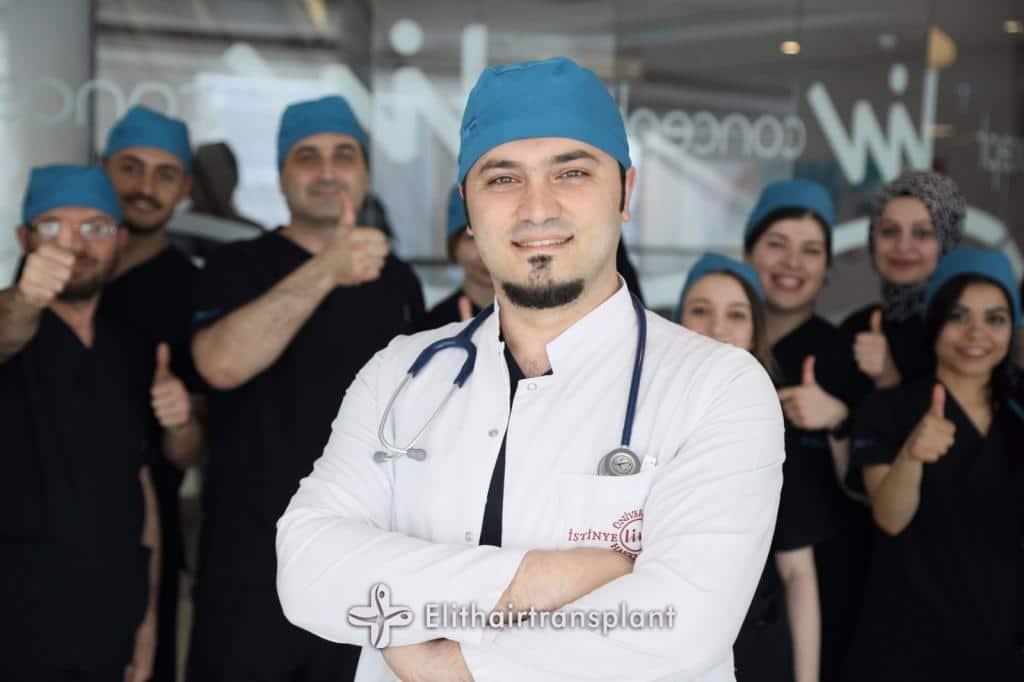 Dr.-Balwi-mit-seinem-Team