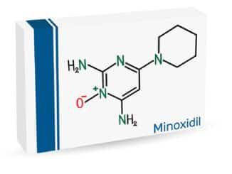 Minoxidil bei Geheimratsecken